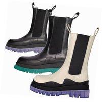 2021 جديد أزياء العلامة التجارية الجوارب الإطارات أحذية النساء منصة مكتنزة التمهيد سيدة التمهيد الفاخرة مصمم النساء الأحذية منتصف العجل مصمم الأحذية 35--40