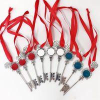 2021 أحمر الشفاه حامل الحالات واقية غطاء الملك عيد الميلاد سلسلة المفاتيح الحسنات هدايا 3 تصاميم هاندي شمام حامل