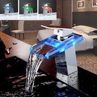 Baño fregadero Faucets Xueqin LED Cambios Cambios de color Cascada de vidrio Cuenca Faucet Sola manija de cocina Agua de baño Cromo Bañera Bañera Mezclador Grifo