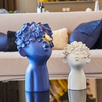 Modern home Statues Sculptures decoration accessories Resin figure wine cabinet ornaments decoration Miniature Home Decor Gift T200330