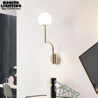 Duvar Lambası Nordic Başucu Işık Modern Minimalist Altın Siyah Aplikler Lambaları Sütlü Cam Top Sanatı Kavisli Hattı