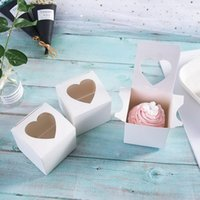 PVC-Fenster-Cupcake-Box 7,5 * 7.5 * 7,5 cm Weiß glänzend Herz-förmiger Fenster-Kuchen-Geschenk Favor Boxen für Valentinstag Hochzeit DDA2663