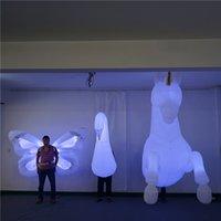 Cavallo gonfiabile bianco della farfalla del cigno con il led e il ventilatore Ce per la sfilata o la decorazione del giorno di San Valentino