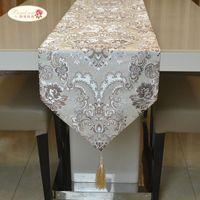 자랑스런 장미 럭셔리 테이블 러너 테이블 Coth 유럽 자카드 침대 플래그 테이블 플래그 패션 가정 장식품 201120