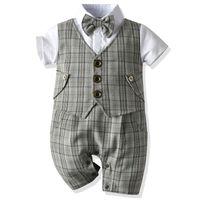 Baby-Taufe Geburtstag Outfit Kinder Plaid-Klagen Newborn Gentleman Hochzeit Bowtie Formale Kleidung Baby-Sommer-Kleidung Set Y1113