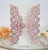 Блеск бумаги лазерное вырезать свадебные приглашения персонализированные свадебные пригласительные карты с лентой и конвертом Партия приглашения CCA2642