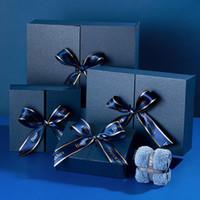 Boîte d'emballage en tissu cosmétique Boîte de cadeau bleu de grande qualité pour la Saint-Valentin d'anniversaire Nouvel An Present Emballage One Piece