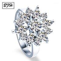 Anillos de compromiso de cristal para mujeres Nuevas flor de flores Claw Venta caliente Anillo Zircon Cubic Ring 2020 Joyería de moda Boda1