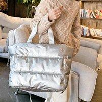 Große Kapazitäts-Schulter-Beutel für Frauen 2020 neuen Winter-Raum-Baumwollhandtasche Nylon Wasserdicht Warm-Einkaufstasche Female Einkauf Clutch