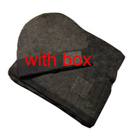 2021 Yüksek Kaliteli Şapka Eşarp Erkekler Kadınlar Için Set Kış Yün Eşarp 2 Parça Takım Elbise Tasarım Şal Bere Wrap Eşarp Beanies Şapka Atkılar 677
