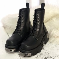 Punk Style Women Toble Negro 6cm Plataforma Boot High Tops Militar Boots Metal Decor Autumn Winter Botas Mujer