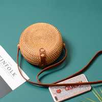 Sacs de paille ronde plus réelles pour femmes 2020 Sac de plage tissé à la main en rotin et sac de bambou sac à bandoulière pour dames
