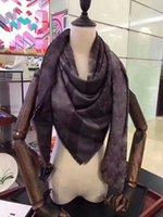 Los mejores diseñadores de mujeres de alta calidad de seda de algodón de alta calidad con bufanda de hilo de oro bufanda lame suave lujo largo clásico chal al por mayor 140x140 sin caja