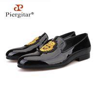 Piergitar Yeni Siyah Patent Deri Erkek Loafer'lı Altın Lüks Nakış Moda Parti Ve Düğün Erkek Elbise Ayakkabı 201212