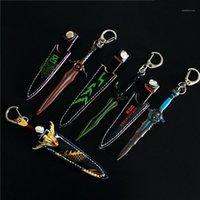 Keychains 17cm Jeu mobile Modèle de périphérie avec Sword Set Key Chains Alliage Pendentif Rings1