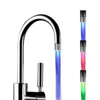LED Agua Faucet Aeroador Control de temperatura 3 Luces de color Cascada Glow Shower Shower Stream Tap Cocina Accesorio de baño