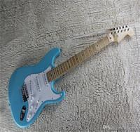 Freies Verschiffen 2021 Neue Ankunft im Verkauf F Stratocaster Himmel Blaue kundenspezifische body ahorn griffboard elektrische gitarre auf Lager
