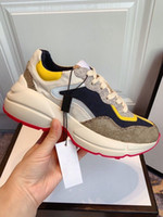Rhyton Orange Hombres Mujeres Entrenadores 620185 99WF0 4371 Zapatos de la vendimia Diseñadores de lujos zapato Chaussures Zapatos de mujer zapatillas de deporte Tops