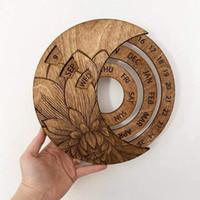 خشبي إبداعي شنقا دائم التقويم التعميم المنحوتة باليد قابل للتعديل التقويم، 3d محفورة شكل القمر خشبي دائم