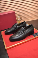 20SS MENS OXFORDS Cuero Italiano Diseño Moda Marcas de Lujo Doble Color Oficina Formal Punto de punta Punta Hombres Vestido Zapatos de boda