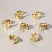 Cluster Rings Goldene 26 Buchstaben Öffnung Ring Hohl A-Z Buchstaben Metall Charme Gold Farbe Einstellbare Modeschmuck Geschenke für Männer Frauen1