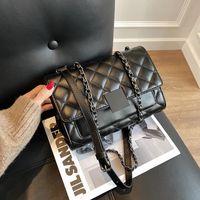 HBP-Taschen Marke-Designs Frauen Handtaschen 2021 Klassische schwarze Farbe Qui Nähen Kleine neigte Umhängetasche Wiederherstellen der alten Wege Joker beauftragt Geldbörse