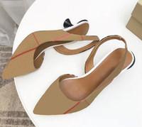 Clásicos Zapatos de mujer Sandalias de la moda Playa de la moda de las zapatillas de fondo grueso Alfabeto Lady Sandals Sandalias de cuero High Heel Shoes Slide Shoe008 125201