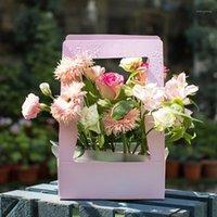 1 ADET Su Geçirmez Çiçek Buket Çanta Kolu Kağıt Hediye Çantası Sarma Çiçek Taşınabilir Ambalaj Kağıt Sepeti DIY Hediye1