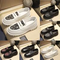 2021 Yeni B22 B27 Loafer'lar Erkekler Deri Flats Baskı Katır Platformu Rahat Ayakkabılar Hakiki Deri Ayakkabı Klasik Mektup Siyah Beyaz Sneakers