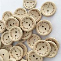 Naaiende noties Tools 100 stks / partij Natuurlijke Kleur Houten Knoppen Handgemaakte Liefde Brief Hout Button Craft DIY Apparel Accessoires1