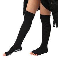 الجوارب الرياضية المرأة طويلة اليوغا نصف اصبع القدم غير زلة السيدات تدليك الرياضة نصف أصابع سريعة الجافة الدافئة ممارسة تشغيل خرطوم