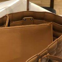B Дизайнер Multi-Color Вязание сумка Женщины Портативный Овощная корзина сплетенный Тотализаторов лакированные хозяйственная сумка Простые сумки Кошелек