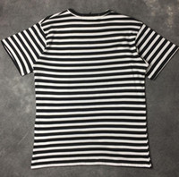 Camiseta rayada bordada al por mayor de alta calidad con pantalones cortos de algodón de manga corta tricolor rosa verde
