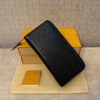 2020 Moda Diseñador de tarjetas de crédito Titular de la tarjeta de cuero clásico de alta calidad Notas y recibos Bolsa de recibos Monedero Monedero KL21
