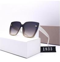 Diseño de gafas de sol de rayos de lujo polarizadas para hombres Mujeres Piloto Gafas de sol UV400 Gafas BANS BANSES GRASA METAL Frame Lente polaroid 1833 con caja