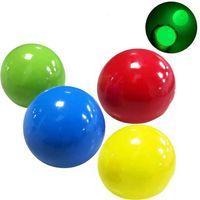 Boules de plafond lumineuses Soulagement Soulagement Boule collée Cute Ball Targe Night Night Light Decompression Ballons lentement Squishy Glow Toys pour enfants FY7384