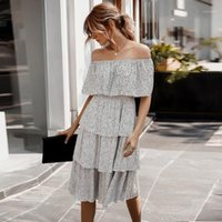 2020 Donne Casual Dress Summer Summer Dot Stampa Off Dress Abito a spalla arruffato manica corta Bandeau Sundauss Sexy Midi femme1