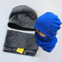 Unisex Kasketleri Kış Polar Şapka ve Eşarp Set Luxurys Şapka Rüzgar Geçirmez Boyun Gaiter Sıcak Atkılar Kafatası Kapaklar Setleri Spor Beanie Ackerchief Ins