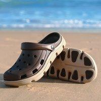 LSYSAG Erkekler Sandalet Rahat Ayakkabılar Bahçe Ayakkabı Katır Kıçları Nefes Plaj Terlik Erkek Su Hollow Jelly Chaussure Homme Y200520