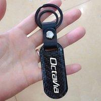 Keychains Porte-clés Auto pour Skoda Octavia Superbe Fabia Rapide KODIAQ Scala Fibre de carbone Badge Badge Key Bague Terrier Emblem Chaîne