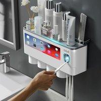 Conjunto de acessórios de banho Titular de escova de dentes de adsorção magnética Titular de dentes automáticos Squeezer Distribuidor de parede montagem de armazenamento de armazenamento Acessorie