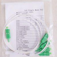 Équipement de fibre optique 30 pcs / lot 1x4 de haute qualité PLC SC / APC SM 0.9mm Tube en acier FTTH Splitter 1M SC connecteur APC 1: 4