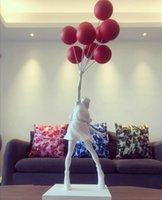 Luxuriöse Ballon Mädchen Statuen Banksy fliegende Ballons Mädchenkunst Skulptur Harz Handwerk Dekoration Weihnachtsgeschenk 57cm
