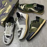 2021 Männer Rockrunner Camouflage Mesh Turnschuhe Leder Wildleder Trainer Stud Rivet Sneaker Gummi Bottoms Top Qualität Luxuskiste 264
