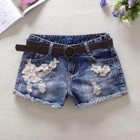 Sommarblå Kvinnors Denim Shorts Mid Midisthål Blommor Jeans Blekt England Style Knapp 100% Bomull KG-288