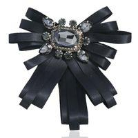 Broche de nœud de ruban de ruban en couches rétro Crystal rouge strass Bowknot Chemise Collier Pin Bowtie Hommes Femmes Femmes Bijoux Accessoires