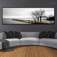 Calm Lago Superficie Lungo Giallo Bridge Scena Black Bianco Canvas Dipinti Poster Stampe Art Wall Art Pictures Living Room Decor di casa1