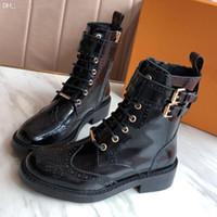 Luxo Real Couro Chaussures De Designer Mulheres Botas Botinhas Chestnut High Black Cinzento Cinzento Cinza Azul Clássico Ankle Bartes Curtos Casuais B1