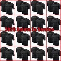 أسود 2020 تحية للخدمة باتريك ماهوميس 12 توم برادي جوش جاكوبس ألين جيرسي كام نيوتن راسل ويلسون ستيفون دجاج