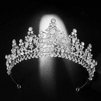 Floralbride Alaşım Rhinestone Kristal Kübik Zirkonya Çiçek Gelin Tiara Prenses Taç Düğün Saç Aksesuarları Kadınlar Takı J0113